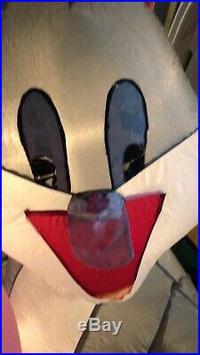 6 ft LOONEY TUNES Bugs Bunny Airblown Lighted Yard Inflatable prototype