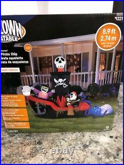 8.9 Ft Gemmy Haunted Animated Skeleton Pirate Ship Inflatable Octopus Airblown N