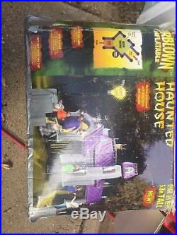 Airblown inflatable Haunted House by Gemmy 12.5 ft. Tall Used good condition