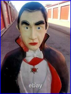 Bela Lugosi Dracula Vampire Blow Mold Halloween Lighted Featherstone 42 Tall