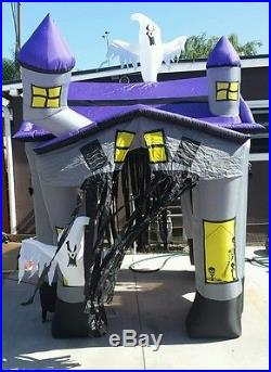 GEMMY Halloween HUGE AIRBLOWN HAUNTED HOUSE. 9 ft tall, 6 ft squared