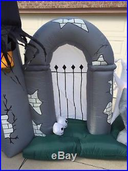 Gemmy 11 Ft Graveyard Cemetary Gate Airblown Inflatable Creepy