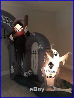Gemmy Halloween Airblown Inflatable Cemetery Archway Musical Lightshow Blow Up