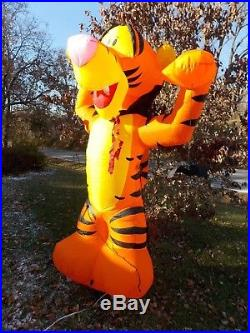 Halloween Gemmy WINNIE THE POOH VAMPIRE TIGGER 7 Ft. AIRBLOWN INFLATABLE