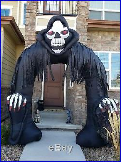 RARE GEMMY AIRBLOWN INFLATABLE THE GRIM REAPER 10 ft ARCHWAY LIGHTED 2006