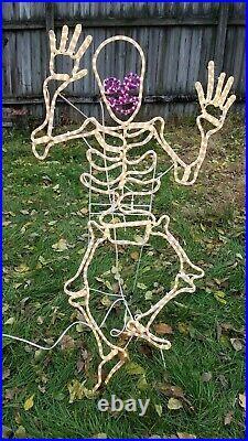 RARE! Vintage Skeleton Halloween 3D Sculpture Rope Metal Wire Light Decoration