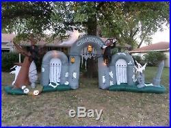 Rare 2008 Halloween Inflatable Airblown 10ft Cemetery Gateway Scene