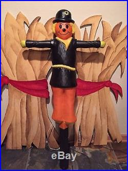 Rare Vintage 34 Union Lighted Halloween/Fall Scarecrow Blow Mold With Stake