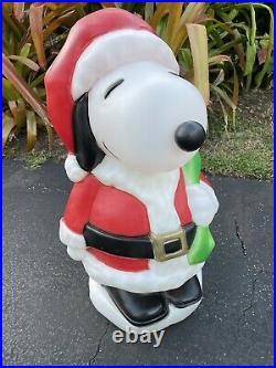 Vintage Santa's Best 32 Peanuts Snoopy Blow Mold Christmas Yard Decoration